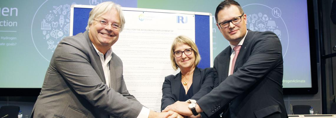 IRU joins forces with European stakeholders to promote the use of hydrogen in road transport