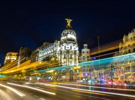 madrid traffic at night