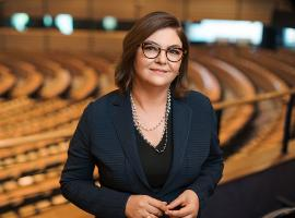 IRU welcomes the appointment of Adina-Ioana Vălean, the new European Transport Commissioner