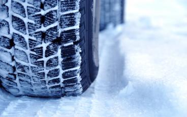 IRU's winter checklists help drivers prepare to tackle difficult weather conditions and the hazards of ice and snow.