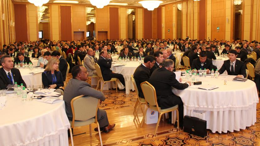 audience at Ashgabat transport business summit