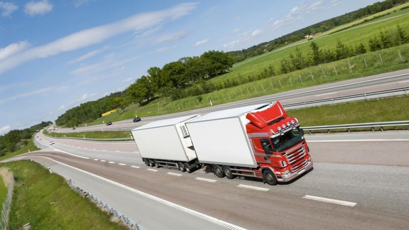 read-head truck road