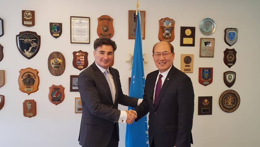IRU Secretary General Umberto de Pretto and International Maritime Organization (IMO) Secretary General Kitack Lim